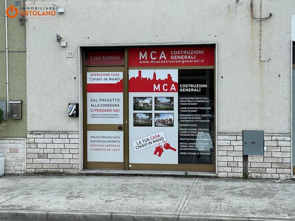 Negozio / Locale in affitto a Monfalcone, 9999 locali, prezzo € 350 | CambioCasa.it