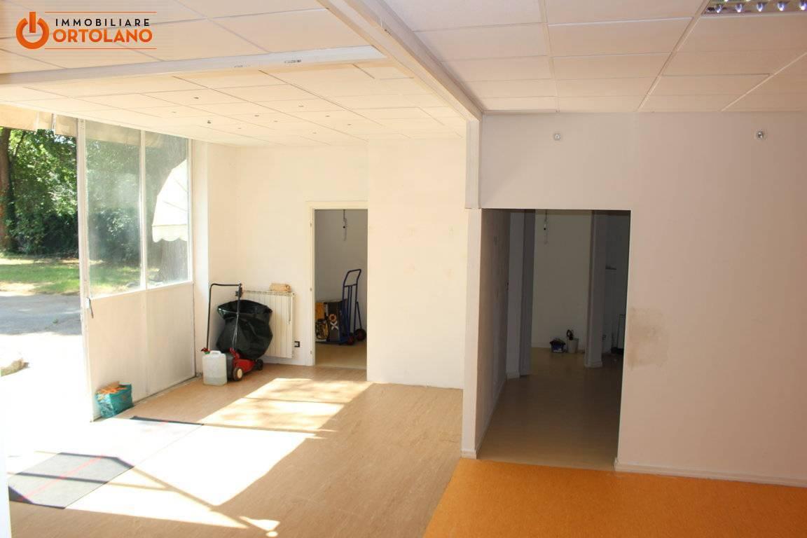 Capannone in affitto a Staranzano, 9999 locali, zona Zona: Bistrigna, prezzo € 1.000 | CambioCasa.it