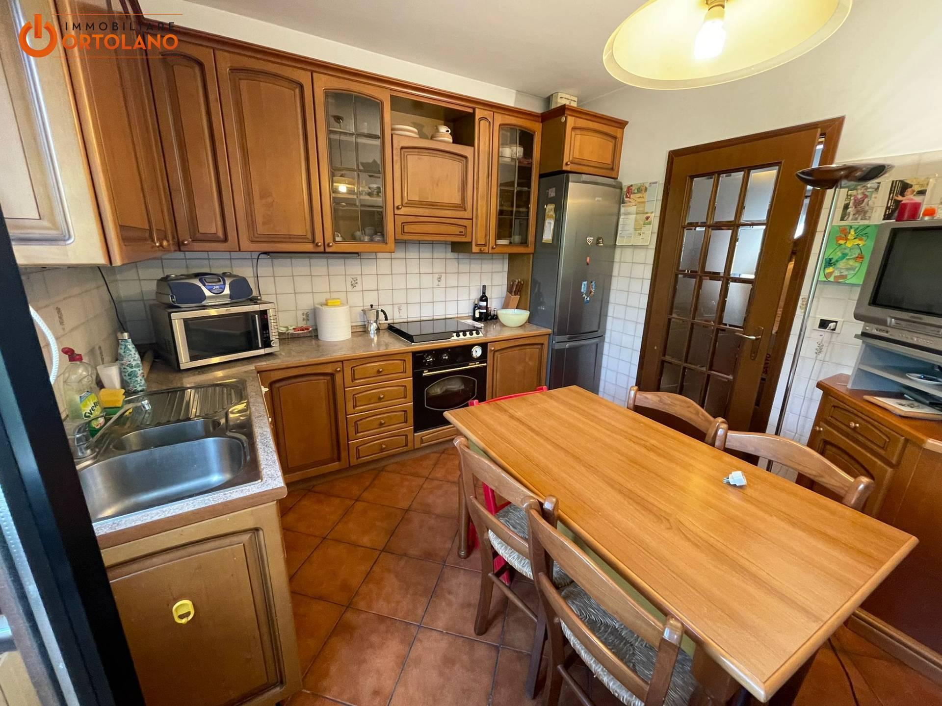 Appartamento in vendita a Monfalcone, 6 locali, prezzo € 98.000 | CambioCasa.it
