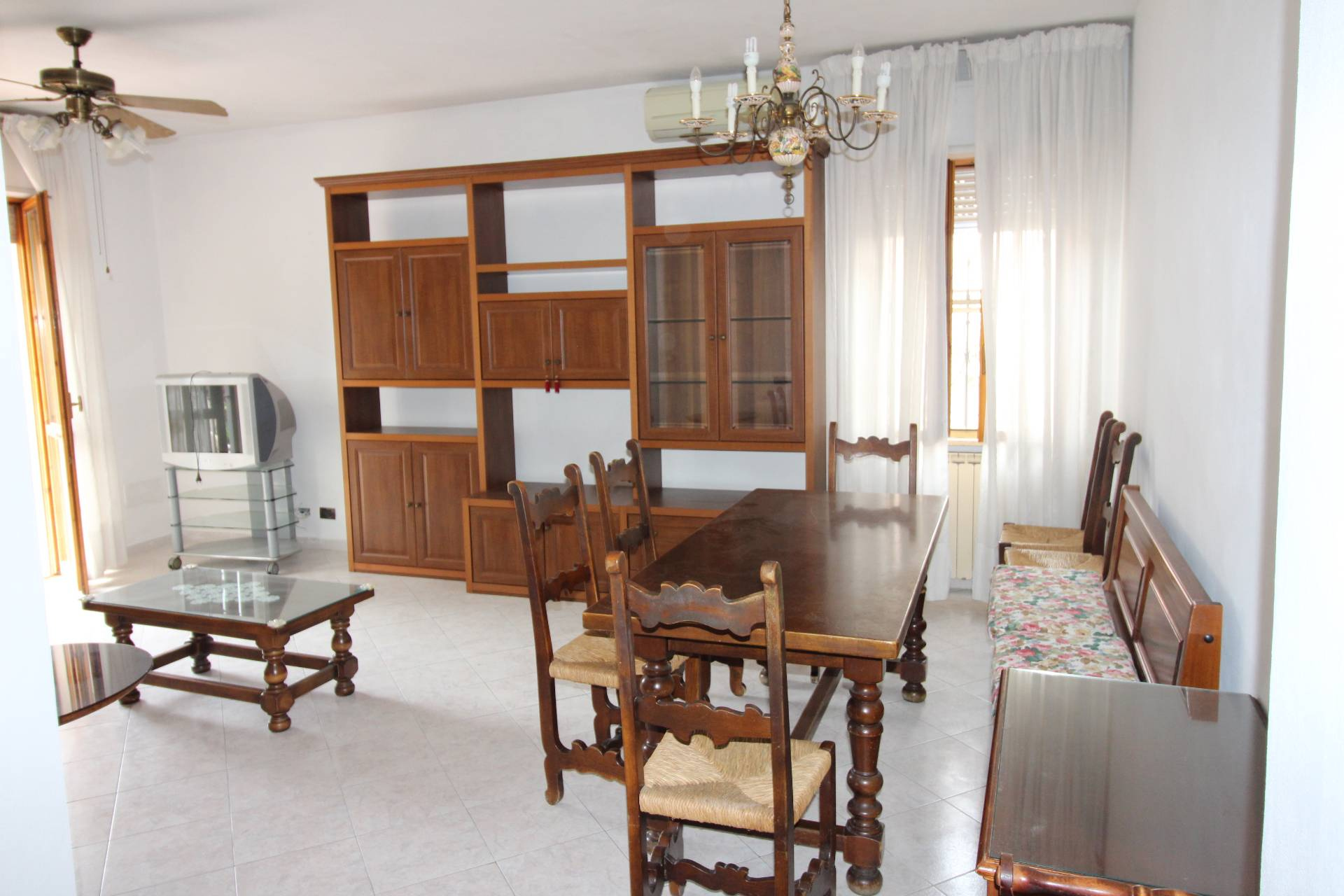 Appartamento in vendita a Vecchiano, 4 locali, prezzo € 160.000 | CambioCasa.it