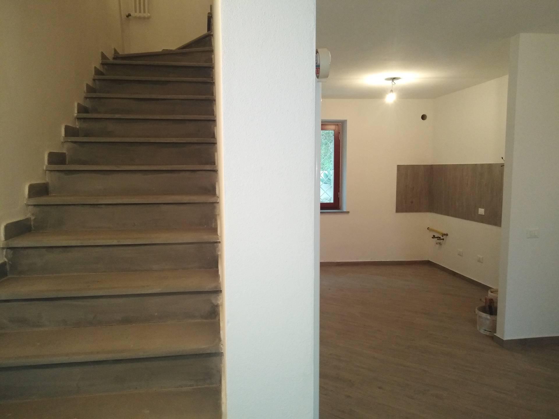 Casa semindipendente in vendita, rif. 332