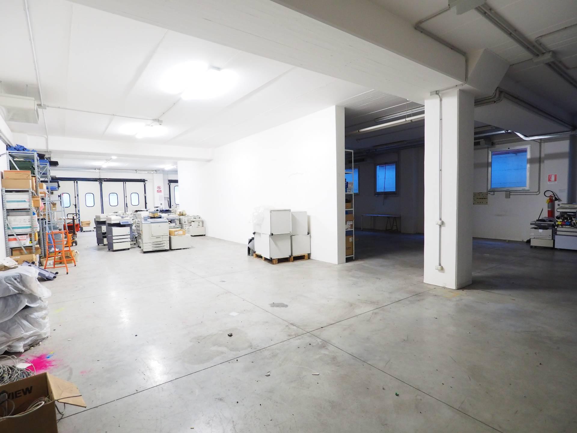Laboratorio in vendita a Montecosaro, 9999 locali, zona Località: MontecosaroScalo, prezzo € 90.000 | Cambio Casa.it