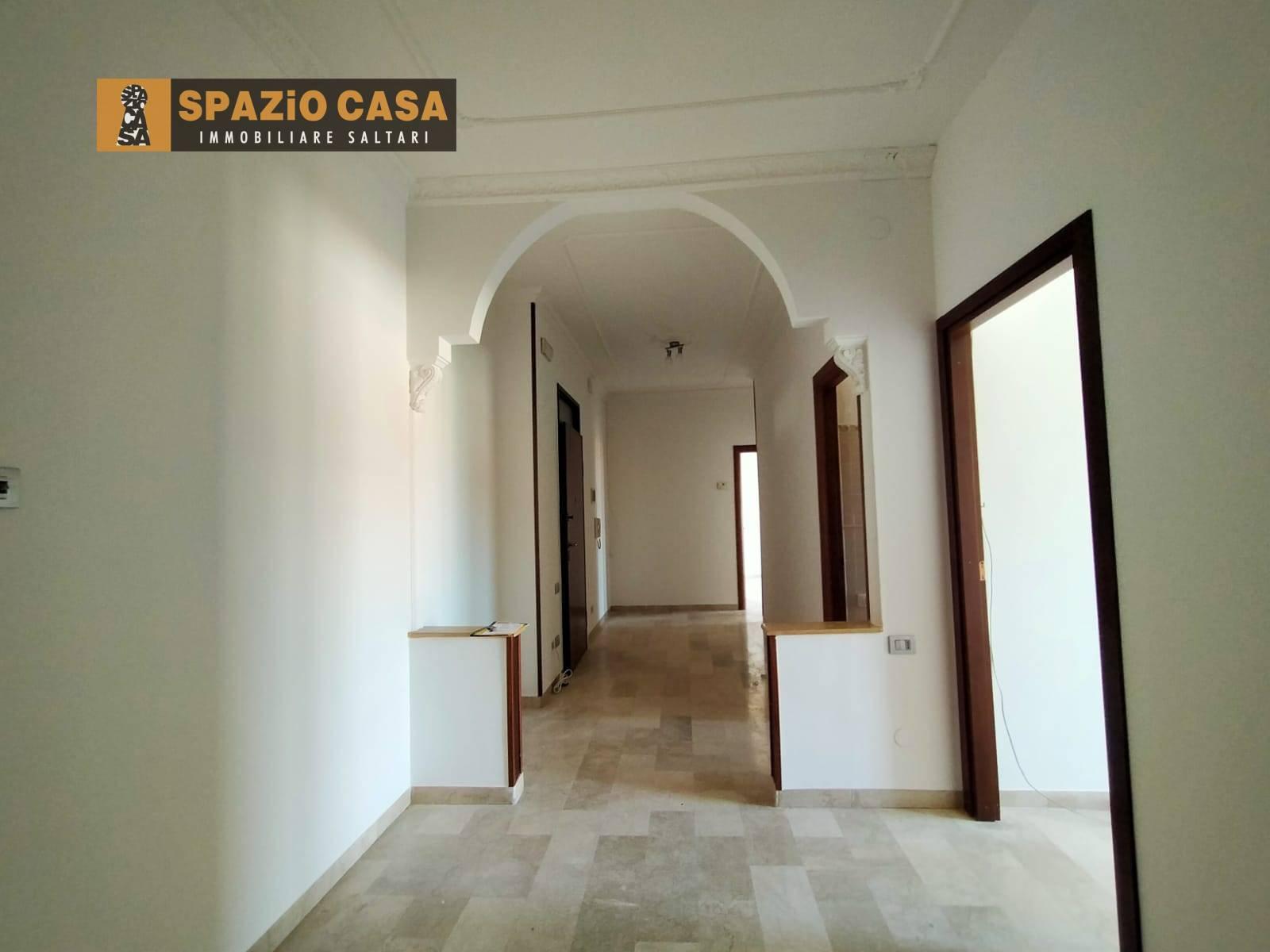 Appartamento in vendita a Civitanova Marche, 4 locali, prezzo € 115.000   CambioCasa.it