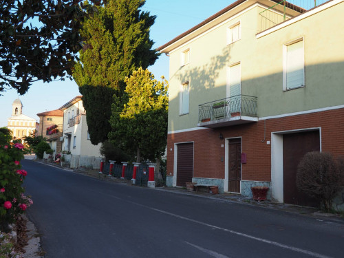 Single House for Sale to Loro Piceno