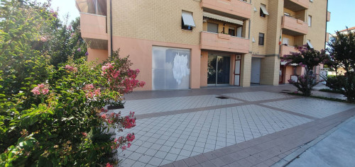 Commercial Property for Sale to Potenza Picena