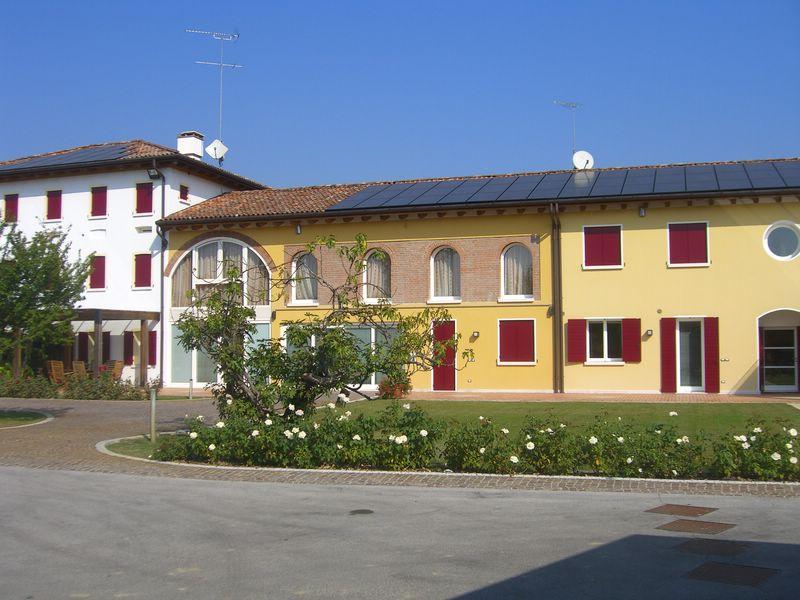Rustico / Casale in vendita a San Biagio di Callalta, 20 locali, zona Località: Olmi, prezzo € 1.200.000 | Cambio Casa.it