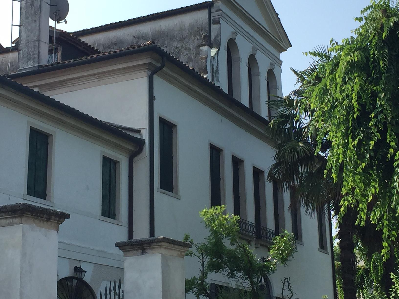 Villa in vendita a Silea, 12 locali, zona Zona: Cendon, Trattative riservate | CambioCasa.it