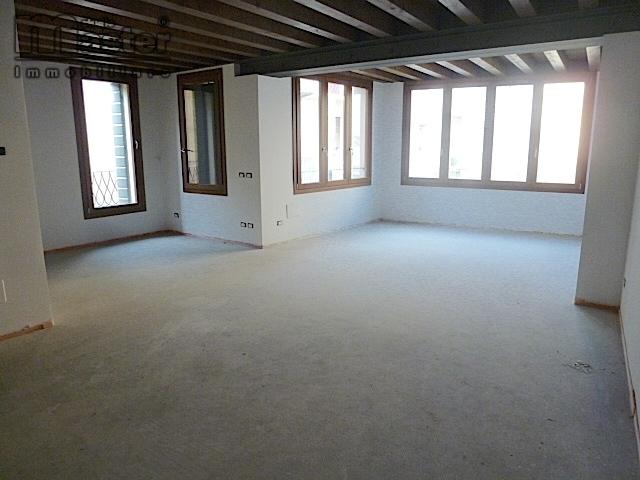 vendita appartamento treviso centro storico  580000 euro  5 locali  140 mq