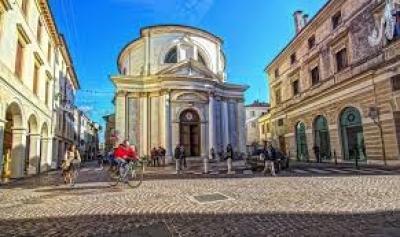 Negozio in Affitto a Treviso