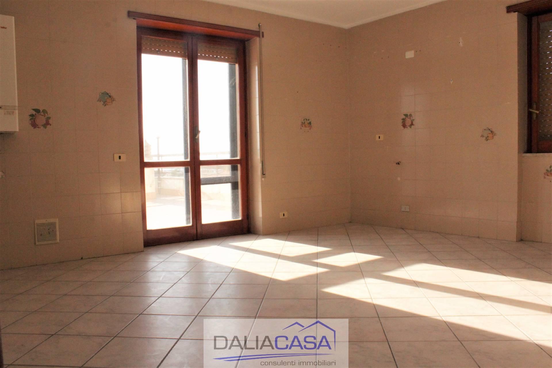 affitto appartamento formia santa croce  550 euro  3 locali  130 mq
