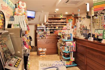 Attività commerciale in Vendita a Formia