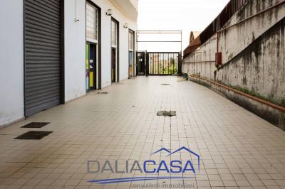 Locale commerciale in Affitto/Vendita a Formia