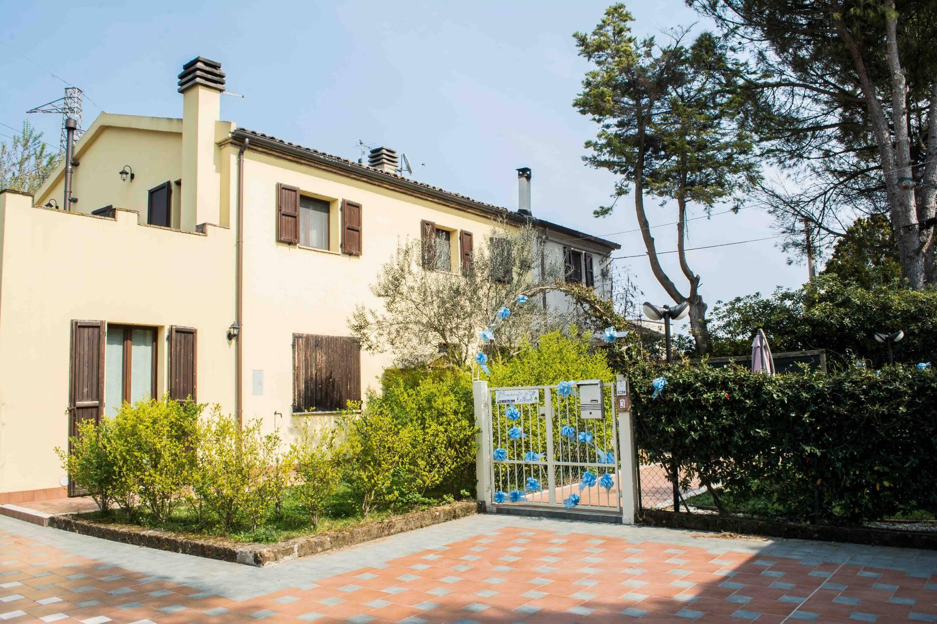 Appartamento in vendita a Montemarciano, 6 locali, prezzo € 165.000 | Cambio Casa.it