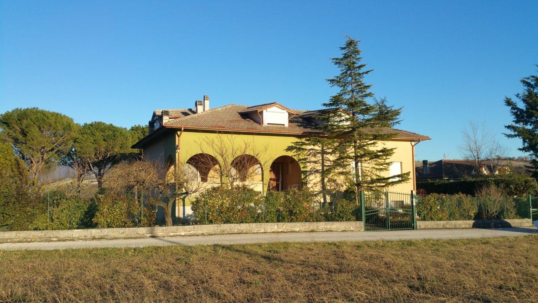VILLA in Vendita a Fabriano (ANCONA)