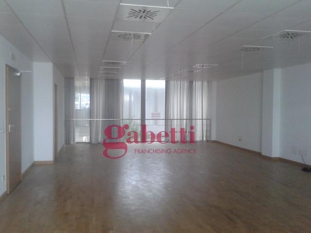 Ufficio / Studio in vendita a Udine, 9999 locali, prezzo € 190.000   CambioCasa.it