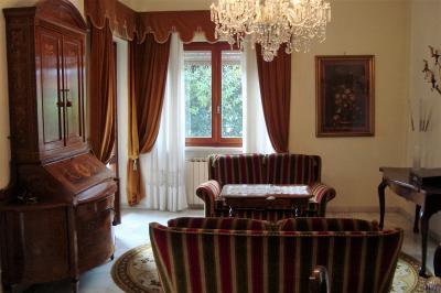 Villa in Vendita a Viareggio