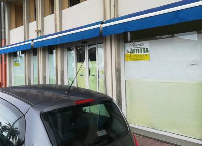 Locale commerciale in Affitto a Viareggio