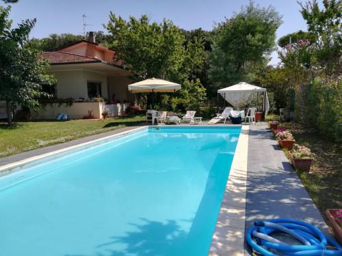 Villa in Vendita a Camaiore