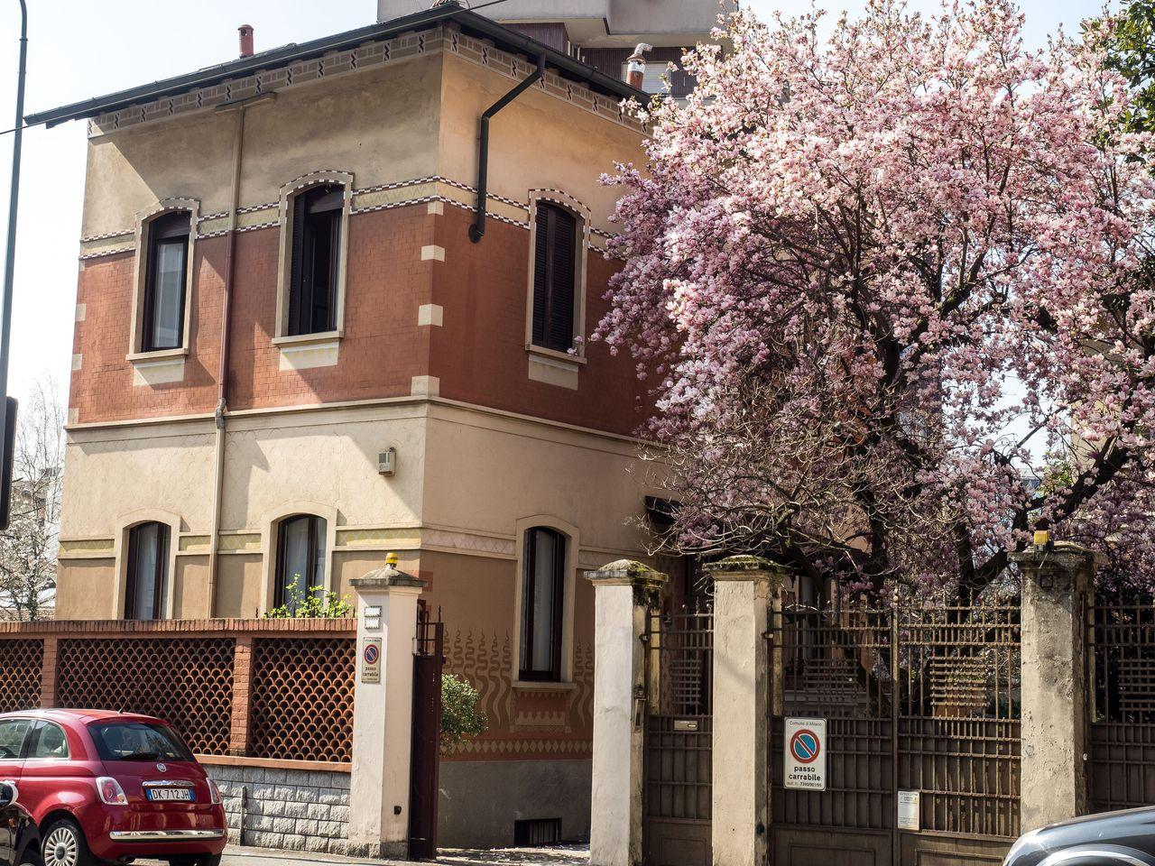 Milano | Villa in Vendita in Viale Carlo Espinasse | lacasadimilano.it