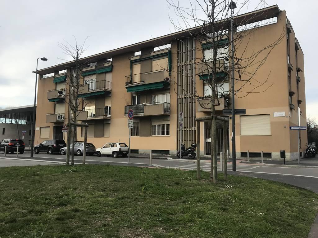Milano | Appartamento in Vendita in Via Gavirate | lacasadimilano.it