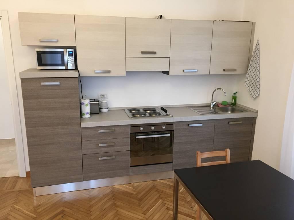 affitto appartamento milano vercelli  1400 euro  2 locali  65 mq