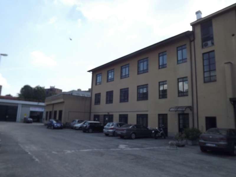 Laboratorio in vendita a Milano in Via Costantino Baroni