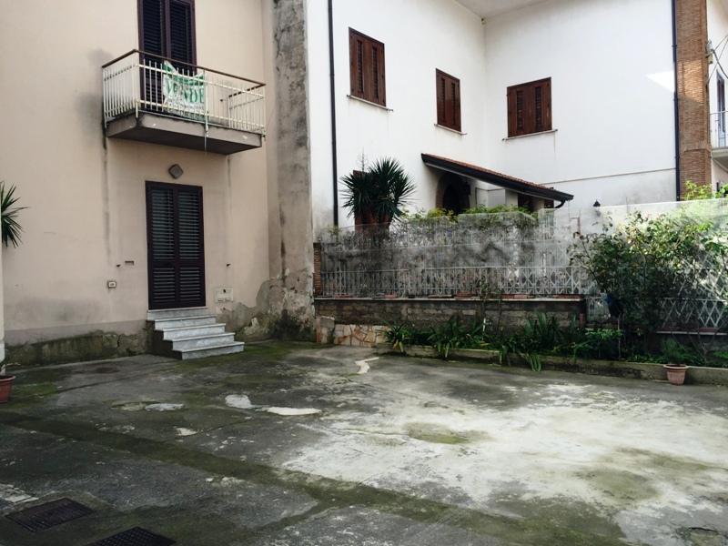 Soluzione Semindipendente in vendita a Tufino, 2 locali, zona Zona: Schiava, prezzo € 50.000 | CambioCasa.it