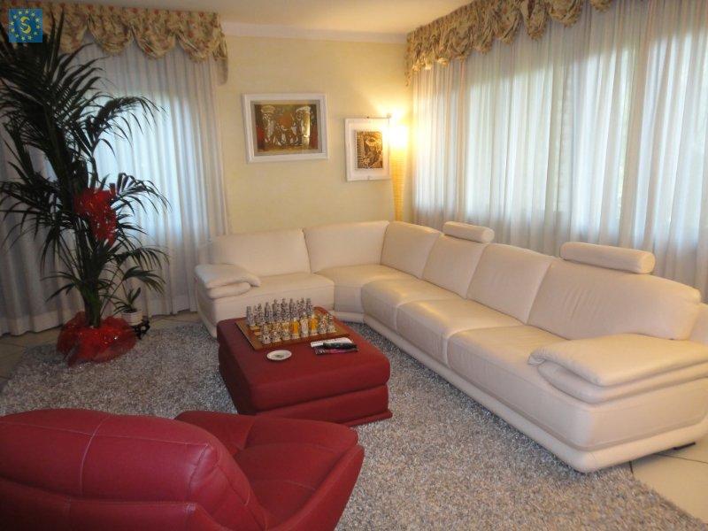 Villa in vendita a Calcinaia, 6 locali, zona Zona: Fornacette, prezzo € 350.000 | Cambio Casa.it