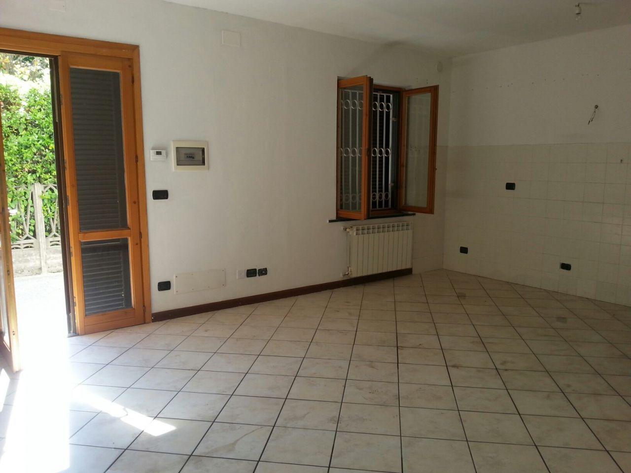 Appartamento in affitto a Vicopisano, 3 locali, prezzo € 500 | Cambio Casa.it