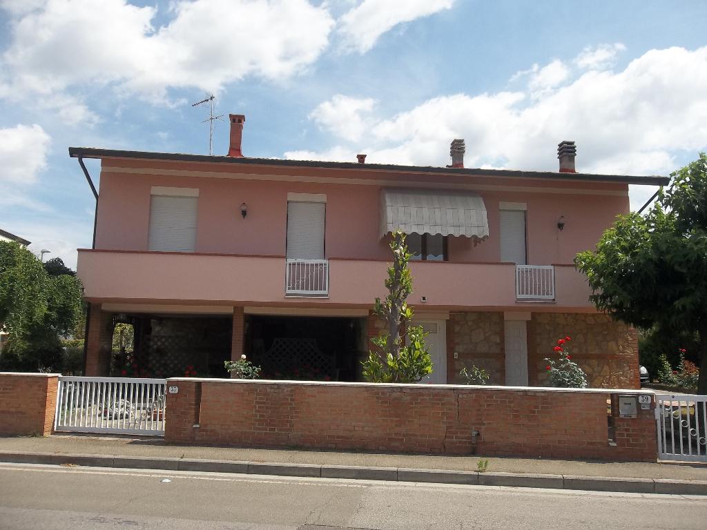Villa in vendita a Ponsacco, 9 locali, prezzo € 480.000 | Cambio Casa.it