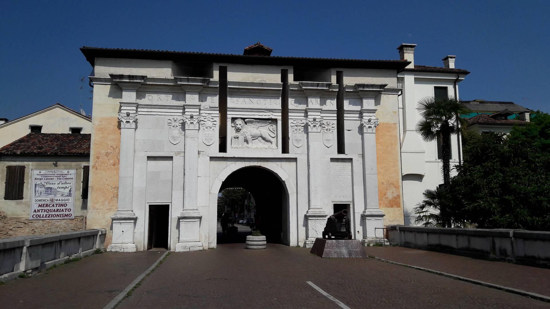 Appartamento in affitto a Intorno Mura, Treviso (TV)