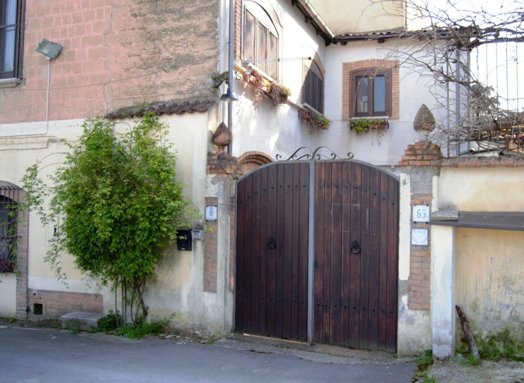 Appartamento in vendita a Avellino, 7 locali, zona odardine, prezzo € 120.000 | PortaleAgenzieImmobiliari.it