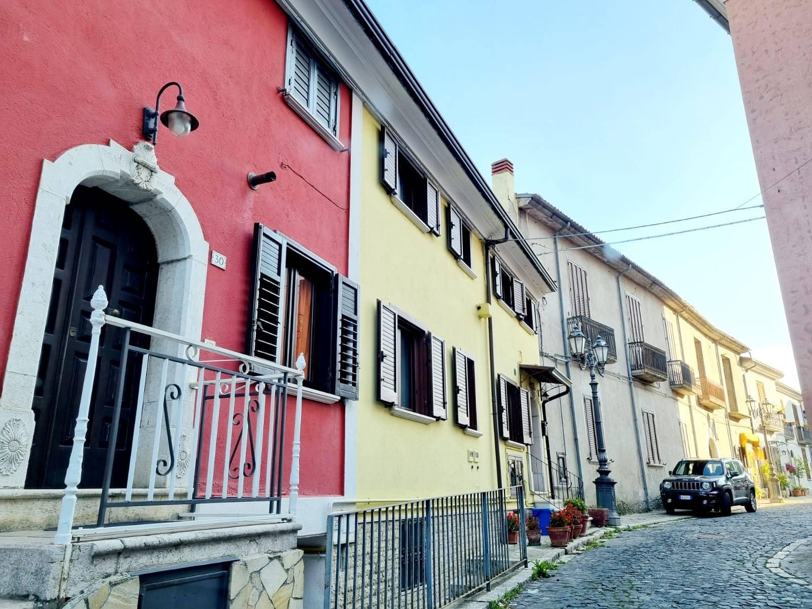 Appartamento in vendita a Montemiletto, 6 locali, prezzo € 145.000   PortaleAgenzieImmobiliari.it