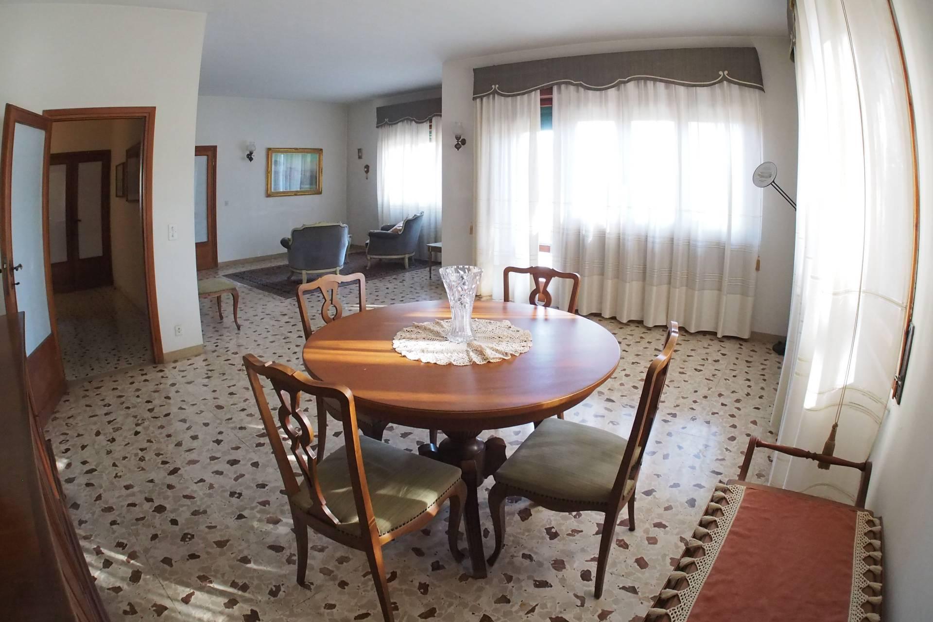 Villa in vendita a Pisa, 7 locali, prezzo € 790.000 | PortaleAgenzieImmobiliari.it