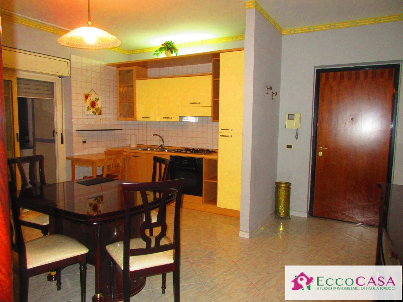 Appartamento in affitto a Maddaloni, 2 locali, prezzo € 360 | CambioCasa.it