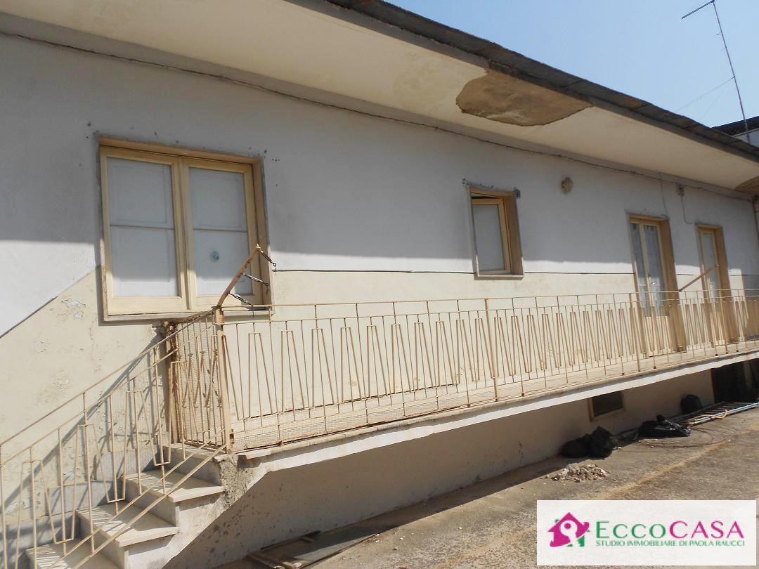 Appartamento in vendita a Maddaloni, 2 locali, prezzo € 68.000 | Cambio Casa.it
