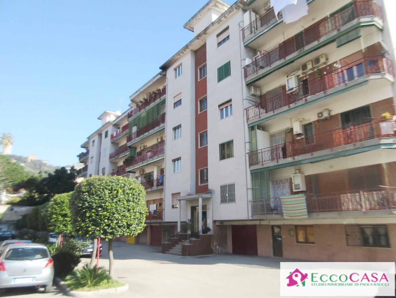 Appartamento in affitto a Maddaloni, 4 locali, prezzo € 400 | CambioCasa.it