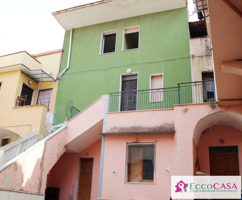Soluzione Indipendente in vendita a Maddaloni, 7 locali, prezzo € 68.000 | Cambio Casa.it