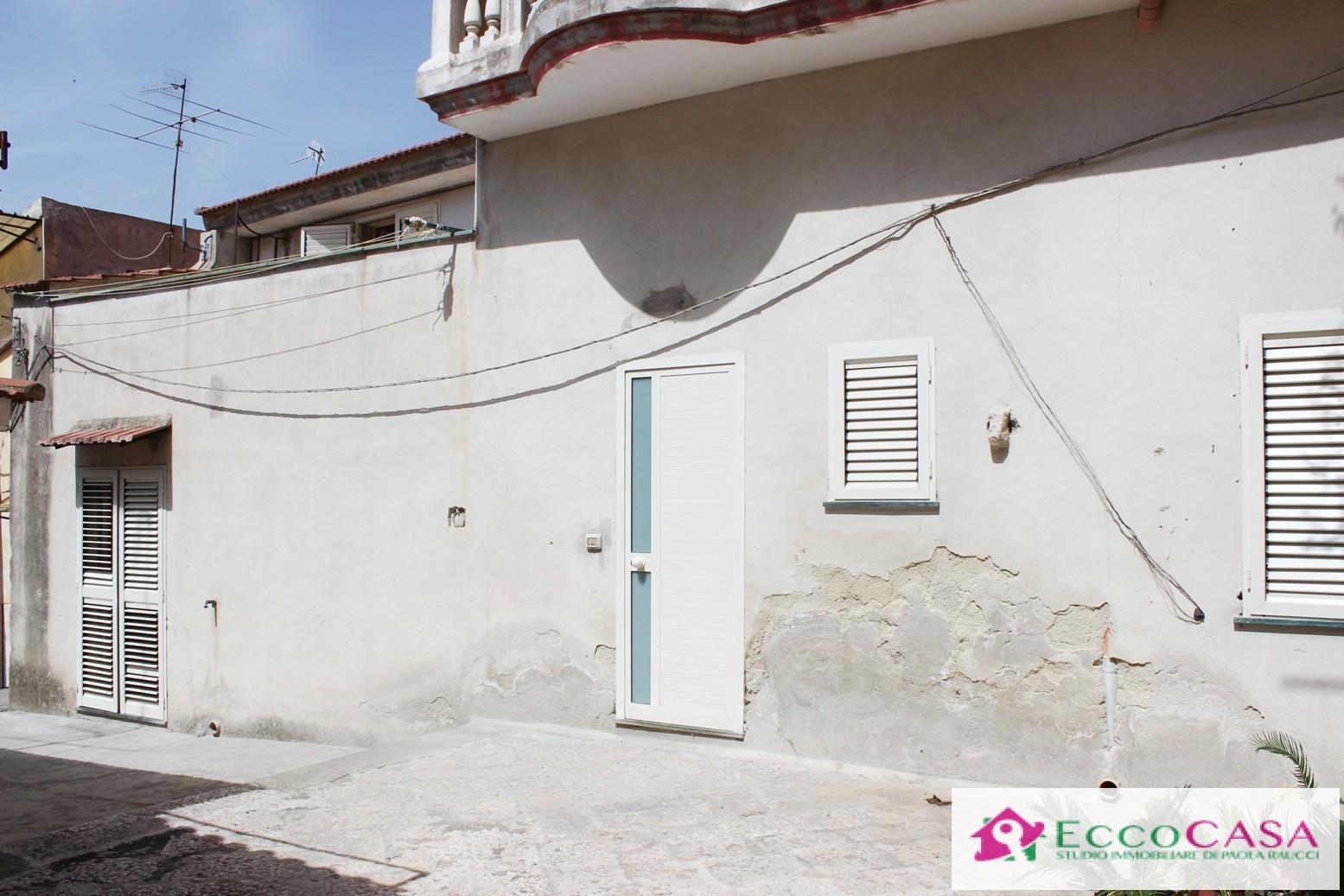Appartamento in vendita a Maddaloni, 3 locali, prezzo € 48.000 | Cambio Casa.it