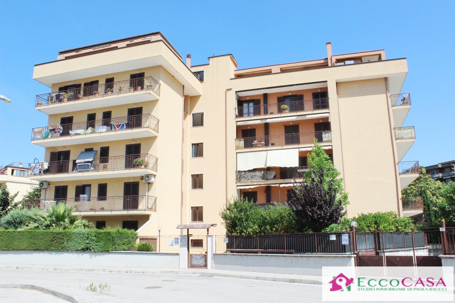 Appartamento in vendita a Maddaloni, 4 locali, prezzo € 163.000 | Cambio Casa.it