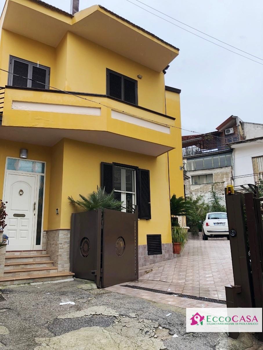 Soluzione Indipendente in vendita a Cervino, 5 locali, prezzo € 235.000 | CambioCasa.it