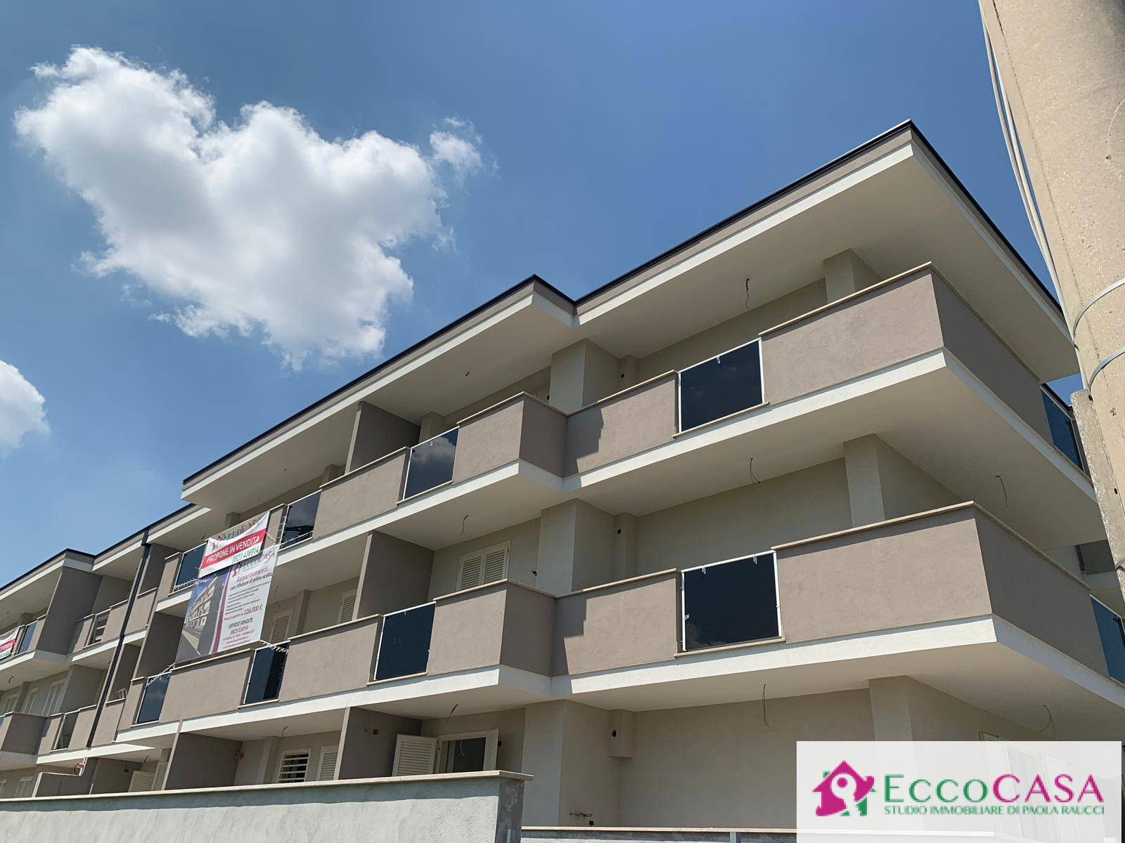 Appartamento in vendita a Maddaloni, 3 locali, prezzo € 127.000   CambioCasa.it