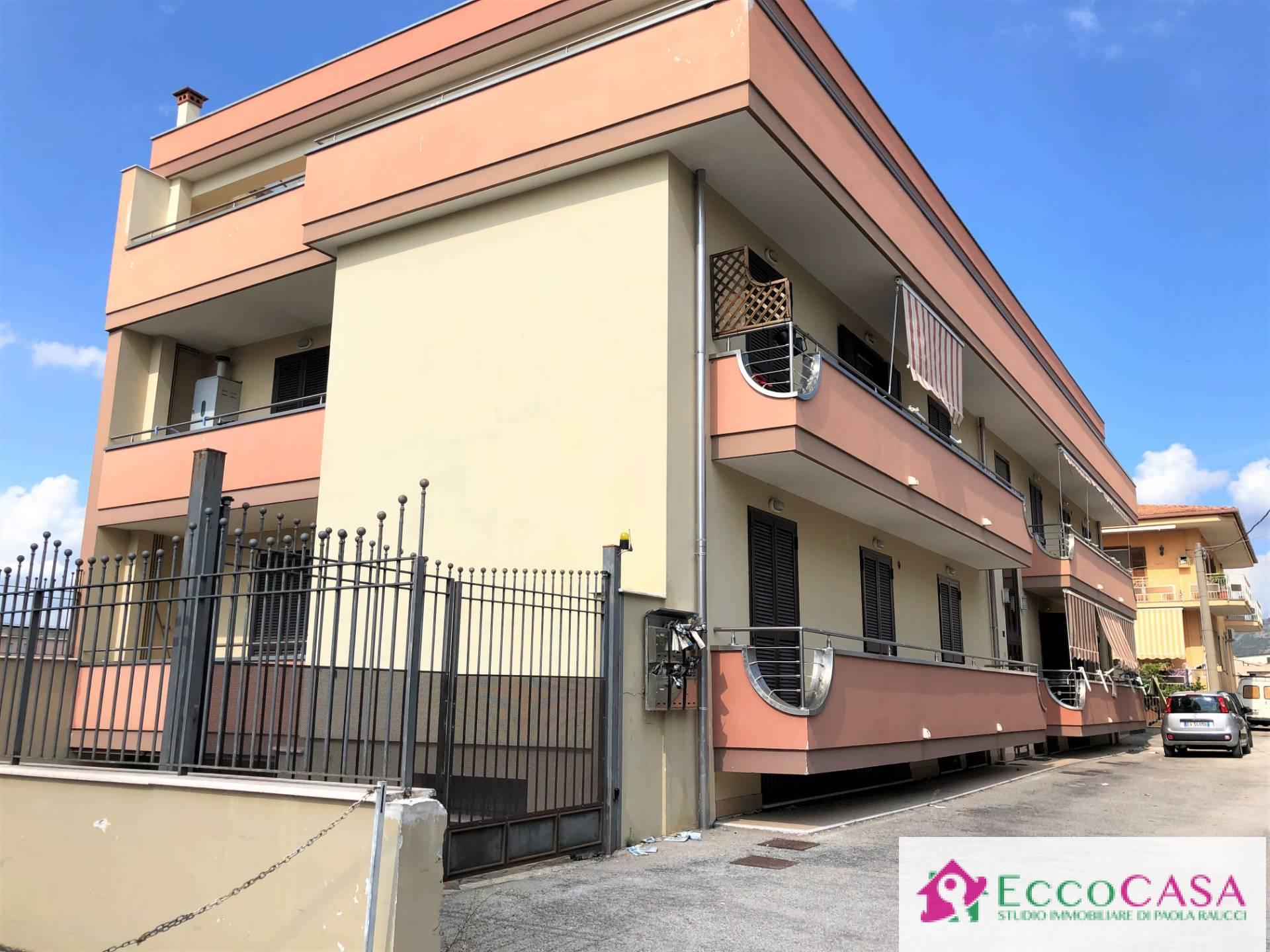 Appartamento in vendita a Maddaloni, 3 locali, prezzo € 140.000   CambioCasa.it