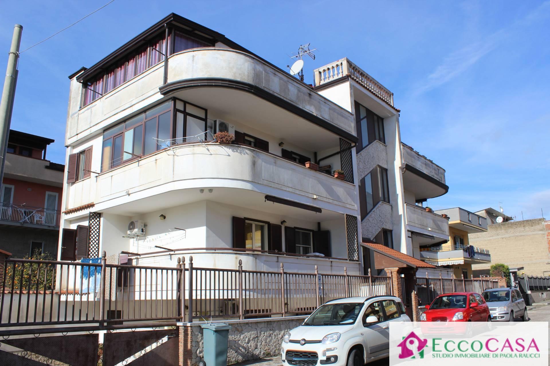 Appartamento in vendita a Maddaloni, 3 locali, prezzo € 165.000   CambioCasa.it