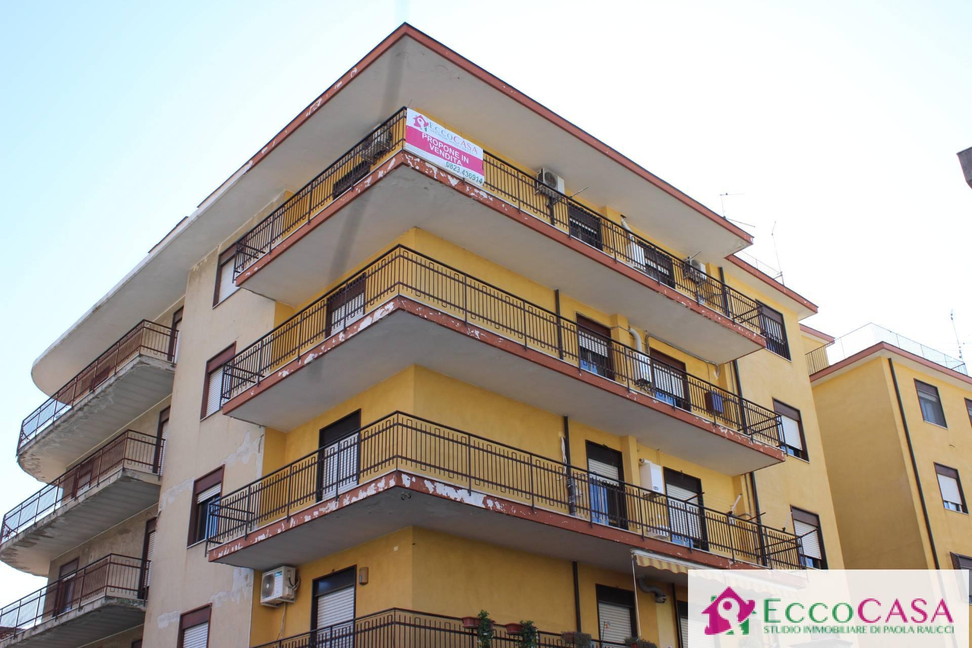 Appartamento in vendita a Maddaloni, 3 locali, prezzo € 105.000   CambioCasa.it