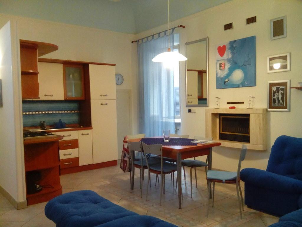 Appartamento in affitto a Ascoli Piceno, 3 locali, zona Località: CentroStorico, prezzo € 400 | Cambio Casa.it