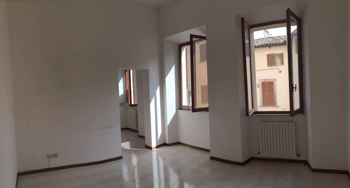 Ufficio / Studio in affitto a Ascoli Piceno, 9999 locali, zona Località: CentroStorico, prezzo € 400 | Cambio Casa.it