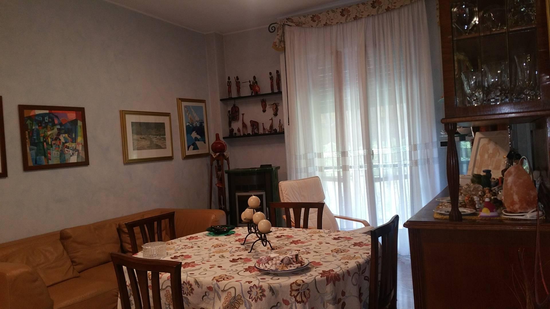 Appartamento in vendita a Folignano, 5 locali, zona Località: VillaPigna, prezzo € 110.000 | Cambio Casa.it
