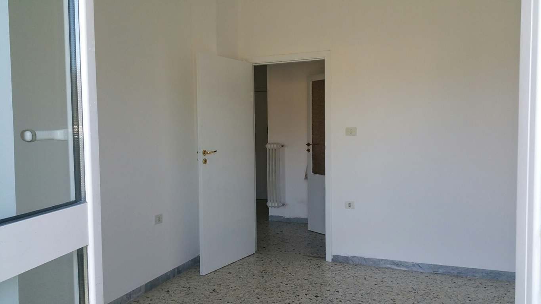 Appartamento in affitto a Ascoli Piceno, 3 locali, zona Località: PortaRomana, prezzo € 400 | Cambio Casa.it
