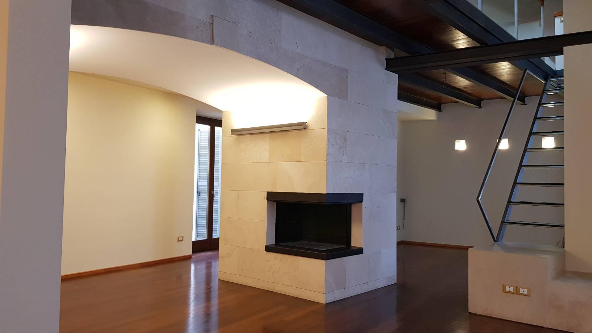 Attico / Mansarda in vendita a Ascoli Piceno, 9 locali, zona Località: CentroStorico, Trattative riservate   PortaleAgenzieImmobiliari.it
